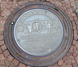 Cool man-hole cover in silver (colored).