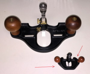 The mini Router Plane below my #71 Closed-Throat Router Plane by Lie-Nielsen.